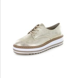 White Mountain Shoes - White Mountain Oxford Platforms!